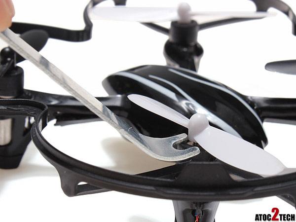 demonter une helice de drone